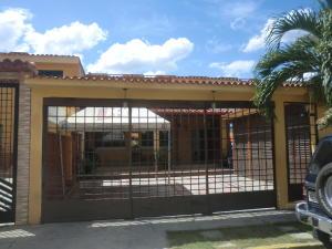 Casa En Venta En Guatire, Valle Arriba, Venezuela, VE RAH: 15-14697