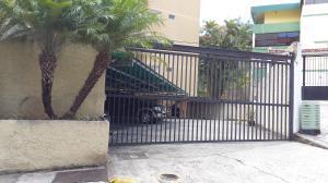 Apartamento En Venta En Caracas - La Boyera Código FLEX: 15-14210 No.1
