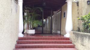 Apartamento En Venta En Caracas - La Boyera Código FLEX: 15-14210 No.2