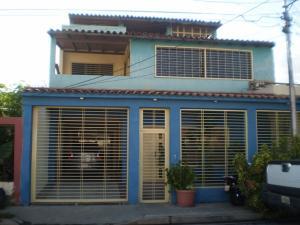 Casa En Venta En Maracay, Villas De Aragua, Venezuela, VE RAH: 15-14226