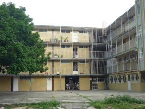 Apartamento En Venta En Valencia, La Isabelica, Venezuela, VE RAH: 15-14441