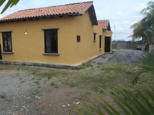 Casa En Venta En Araure, Araure, Venezuela, VE RAH: 13-8120
