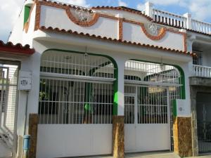 Casa En Venta En Municipio San Diego, Los Jarales, Venezuela, VE RAH: 15-14374