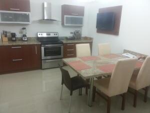 Apartamento En Venta En Maracaibo, Belloso, Venezuela, VE RAH: 15-14411