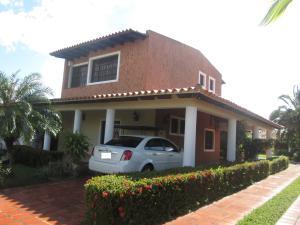 Casa En Venta En Maturin, San Miguel, Venezuela, VE RAH: 15-14419