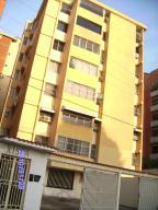 Apartamento En Venta En Maracay, El Bosque, Venezuela, VE RAH: 15-14446