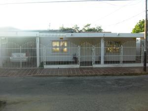 Casa En Venta En Cabimas, Universidad, Venezuela, VE RAH: 15-14621