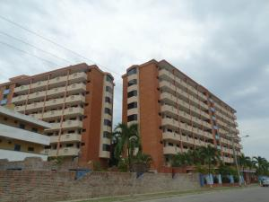 Apartamento En Venta En Higuerote, Puerto Encantado, Venezuela, VE RAH: 15-14627