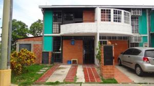 Casa En Venta En Guarenas, Nueva Casarapa, Venezuela, VE RAH: 15-14636