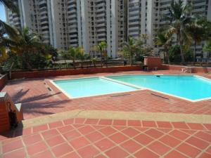 Apartamento En Venta En Maracaibo, El Milagro, Venezuela, VE RAH: 15-14665