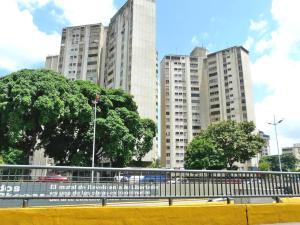 Galpon - Deposito En Ventaen Caracas, El Bosque, Venezuela, VE RAH: 15-14742