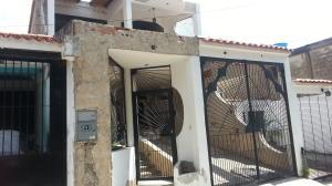 Casa En Venta En Municipio San Diego, La Esmeralda, Venezuela, VE RAH: 15-15006