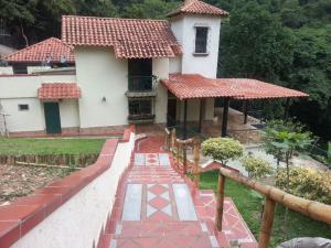 Casa En Venta En Caracas, El Hatillo, Venezuela, VE RAH: 16-8148