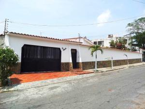 Casa En Venta En Catia La Mar, La Colina De Catia La Mar, Venezuela, VE RAH: 15-14978