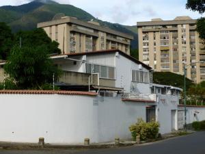 Casa En Venta En Caracas, El Marques, Venezuela, VE RAH: 15-11552