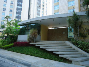 Apartamento En Venta En Caracas, Las Mesetas De Santa Rosa De Lima, Venezuela, VE RAH: 15-15053