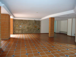 Apartamento En Venta En Caracas - Valle Arriba Código FLEX: 15-15054 No.1