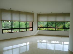 Apartamento En Venta En Caracas - Valle Arriba Código FLEX: 15-15054 No.2