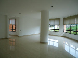 Apartamento En Venta En Caracas - Valle Arriba Código FLEX: 15-15054 No.3