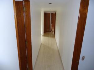 Apartamento En Venta En Caracas - Valle Arriba Código FLEX: 15-15054 No.10