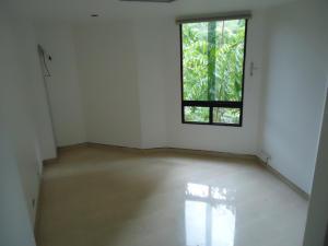 Apartamento En Venta En Caracas - Valle Arriba Código FLEX: 15-15054 No.13