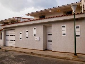 Casa En Venta En Municipio Linares Alcantara, La Morita I, Venezuela, VE RAH: 15-15090