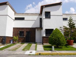 Casa En Venta En Cabudare, Parroquia José Gregorio, Venezuela, VE RAH: 15-15126