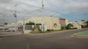 Casa En Venta En Maracaibo, Circunvalacion Uno, Venezuela, VE RAH: 15-15136
