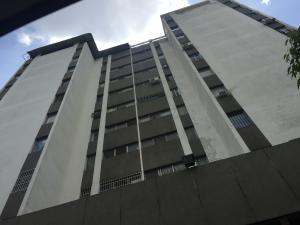 Apartamento En Venta En Caracas, Bello Monte, Venezuela, VE RAH: 15-15181