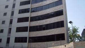 Apartamento En Venta En Maracay, San Isidro, Venezuela, VE RAH: 15-15231
