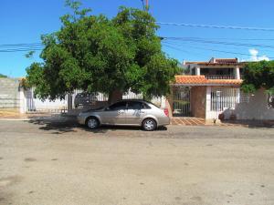 Casa En Venta En Maracaibo, Lago Mar Beach, Venezuela, VE RAH: 15-15240