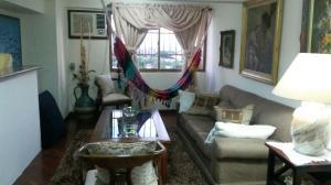 Apartamento En Venta En Maracaibo, Dr Portillo, Venezuela, VE RAH: 15-15244