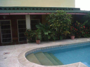 Casa En Venta En Ocumare De La Costa, El Playon, Venezuela, VE RAH: 15-15259