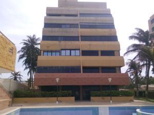 Apartamento En Venta En Tucacas, Santa Rosa, Venezuela, VE RAH: 15-15331