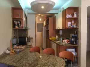 Apartamento En Venta En Maracaibo, Cantaclaro, Venezuela, VE RAH: 15-15384