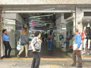 En Venta En Caracas - Sabana Grande Código FLEX: 15-15470 No.2