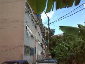Apartamento En Venta En Caracas, Propatria, Venezuela, VE RAH: 15-15393
