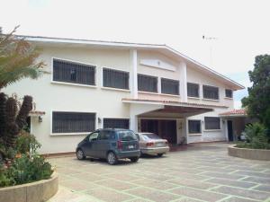 Casa En Venta En Caracas, La Lagunita Country Club, Venezuela, VE RAH: 15-15417