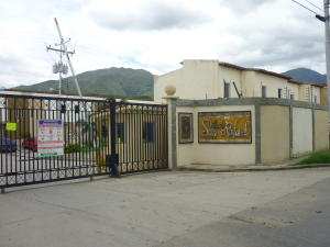 Townhouse En Venta En Municipio San Diego, El Polvero, Venezuela, VE RAH: 15-15662