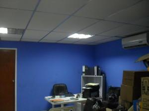 En Venta En Maracay - Zona Industrial San Vicente Código FLEX: 15-15514 No.12