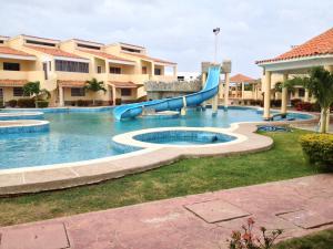 Apartamento En Venta En Chichiriviche, Flamingo, Venezuela, VE RAH: 15-15540