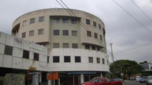 Oficina En Venta En Municipio Naguanagua, Los Guayabitos, Venezuela, VE RAH: 15-15625
