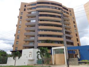 Apartamento En Venta En Valencia, Manongo, Venezuela, VE RAH: 15-15645