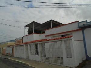 Casa En Venta En Valencia, Santa Rosa, Venezuela, VE RAH: 15-15901