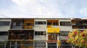 Apartamento En Venta En Barquisimeto, Avenida Libertador, Venezuela, VE RAH: 15-15678