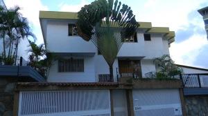 Casa En Venta En Caracas, El Marques, Venezuela, VE RAH: 15-15710