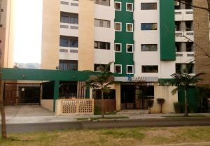 Apartamento En Venta En Valencia, Valles De Camoruco, Venezuela, VE RAH: 15-15805