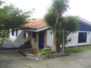 Casa En Venta En Charallave, Los Anaucos, Venezuela, VE RAH: 15-15894