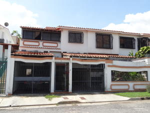 Casa En Venta En Valencia, El Parral, Venezuela, VE RAH: 15-15975