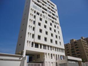 Apartamento En Venta En Maracaibo, Santa Rita, Venezuela, VE RAH: 15-16039